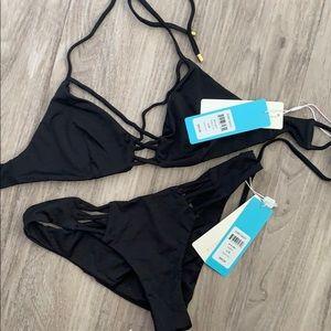 Beach bunny black bikini